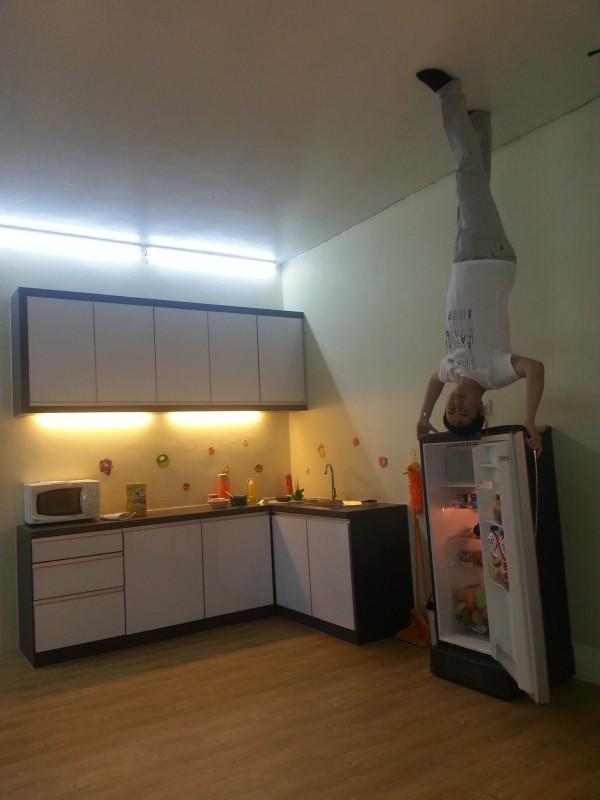 upside-down-07