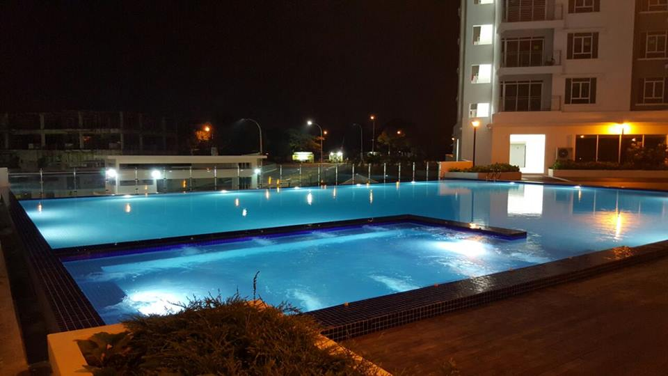 springville-night-pool